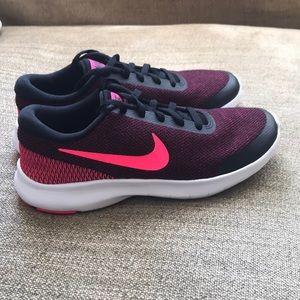 Women's Flex Experience Run 7 Running Shoes Size 6